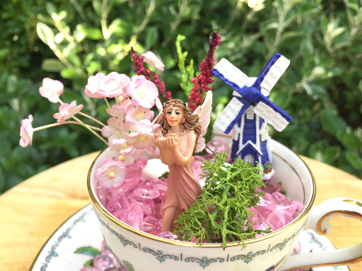 Discovering a magical fairy world in the bottom of Granny M's little vintage tea cup